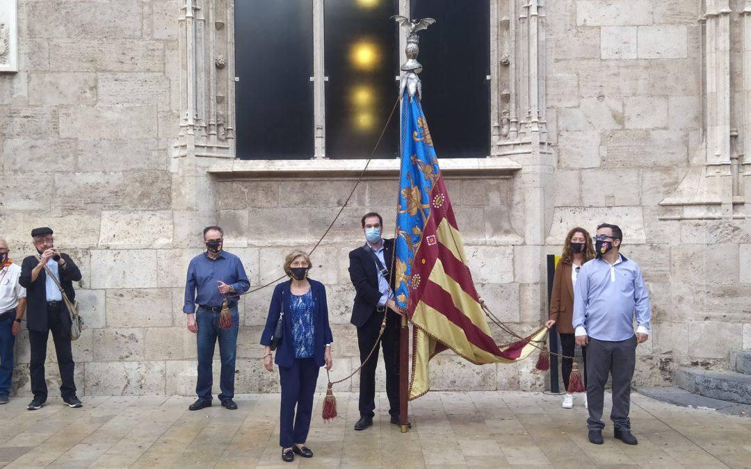 El valencianisme rendix honors a la Real Senyera