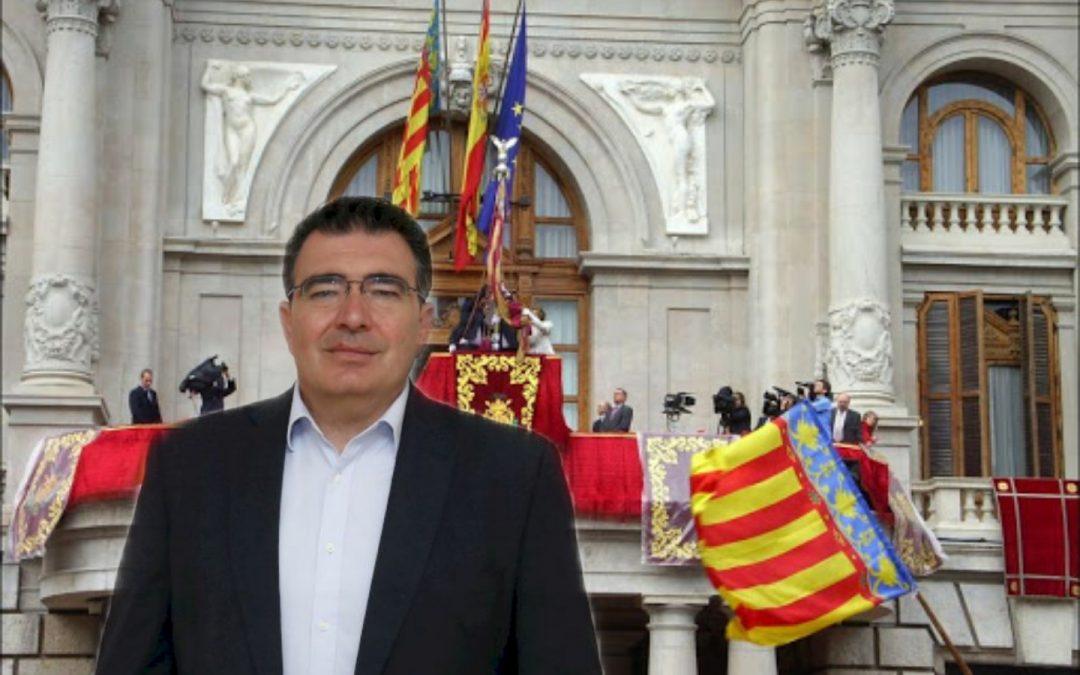 Juristes Valencians demana a Narciso Estellés que no porte la Senyera per coherència