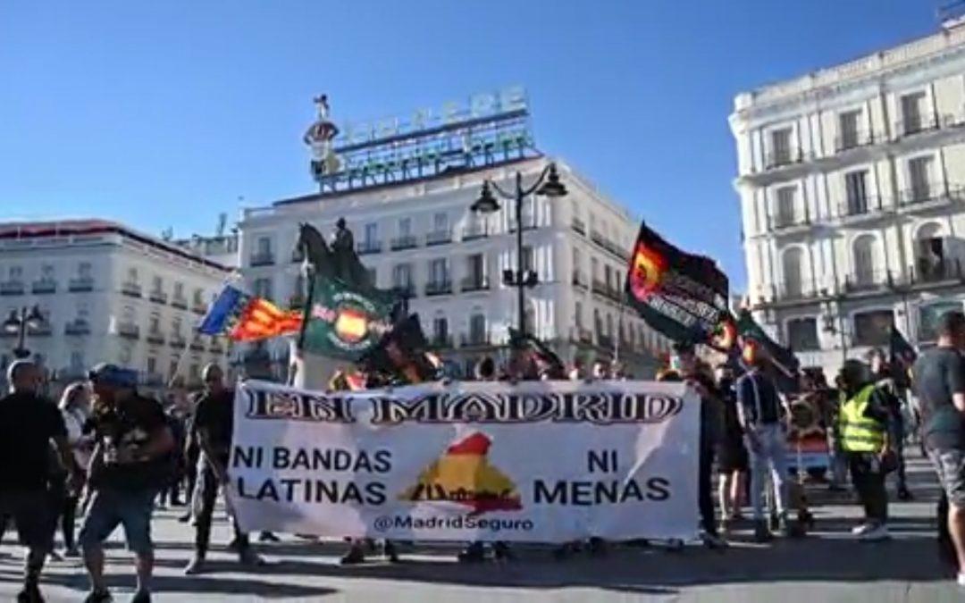 El valencianisme condena el mal us de la Real Senyera en un acte homòfop